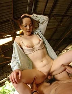 成熟寡妇渴望性爱