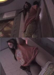 和歌厅里玩的很疯的小姐唱歌后一起去开房