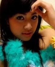 19岁越南红女星黄垂玲爱爱