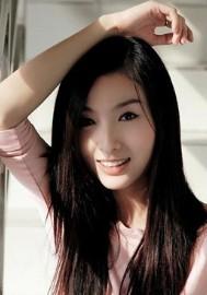 曾�在�W�j上�t�O一�r的香港高校模特小雨淫�y自拍