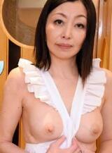 HEYZO 1911熟妻友利子的裸体围裙保坂友利子